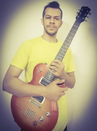 گیتار الکتریک ،سلفژ ،آواز  و آهنگسازی- دانیال کارساز